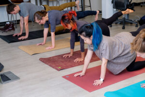 how to find the right yoga mat for you  roadtoretreats